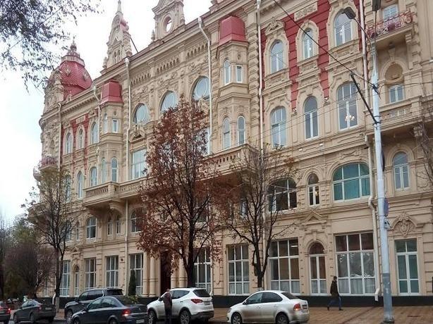 Чтобы прекратить обмороки работников мэрии Ростова, власть решила потратить 77 млн рублей