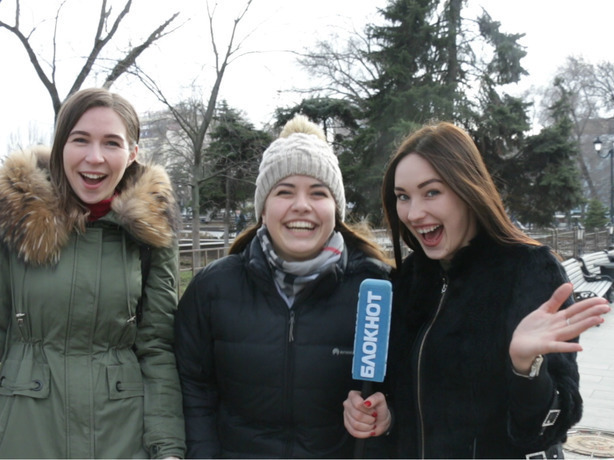 Очаровательная Настя узнала у жителей Ростова самые смешные розыгрыши