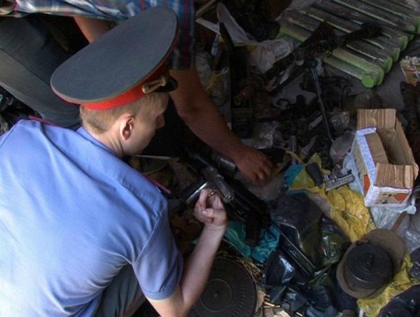 Склад боеприпасов случайно обнаружили в гараже у жителя Ростова