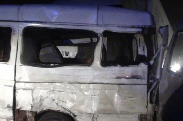Два человека погибли, три пострадали в ДТП с участием маршрутки на трассе под Ростовом
