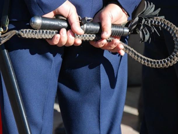 Маленьких казачат публично отстегают плетьми в центре Новочеркасска