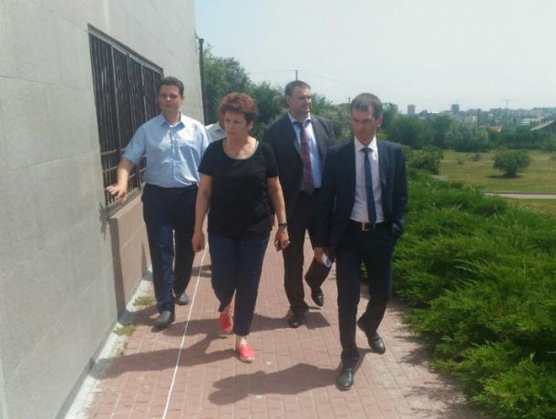 Ремонт мемориального комплекса «Памяти жертв фашизма в Змиевской балке» пообещали закончить в августе