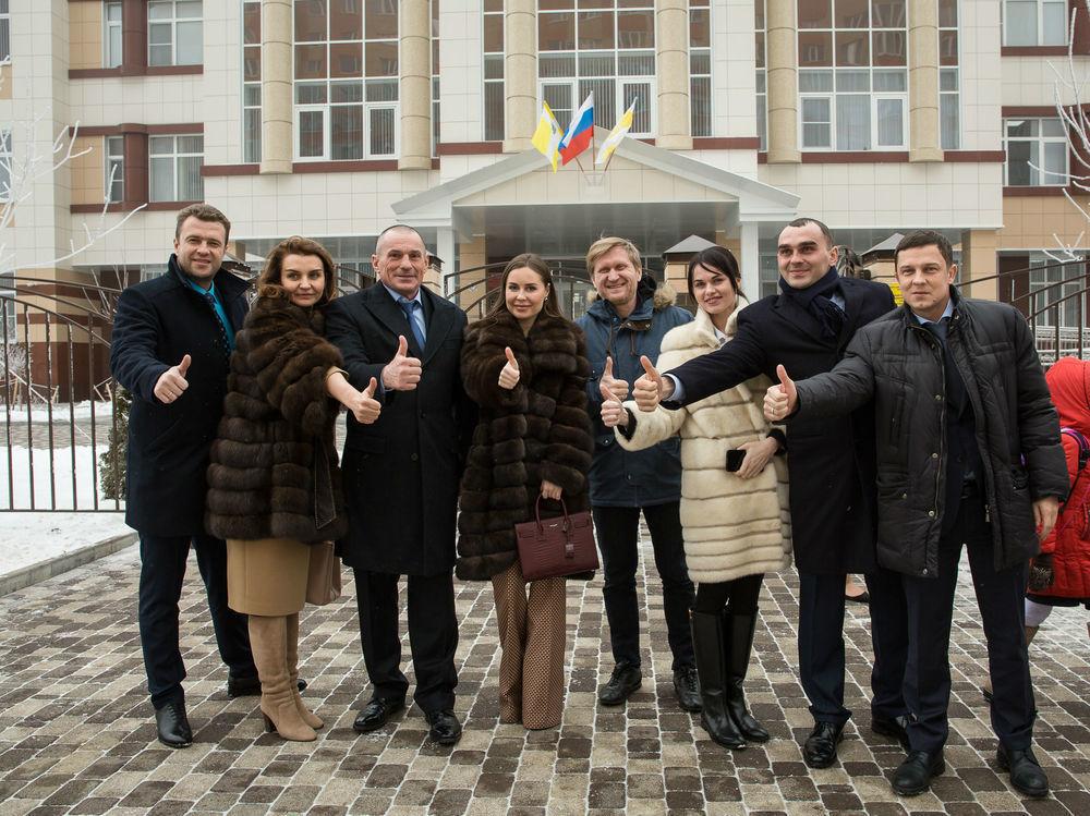 Школу от ГК «ЮгСтройИнвест» в Ставрополе посетили  «Уральские пельмени»