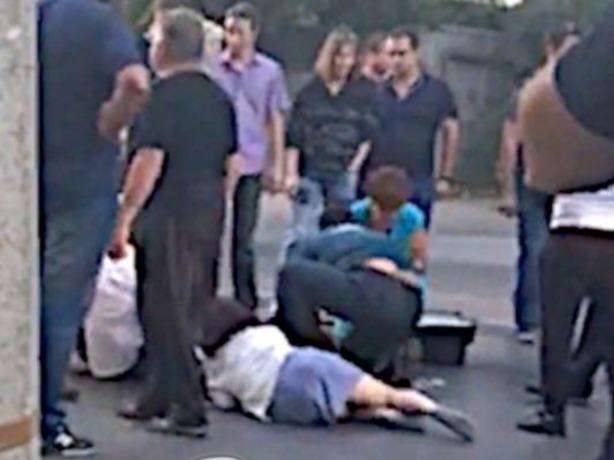 В Ростове беременную женщину с 3-летним ребенком снесла бешеная иномарка на дороге