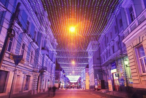 Более двух миллионов рублей потратят власти на световые украшения ко Дню города