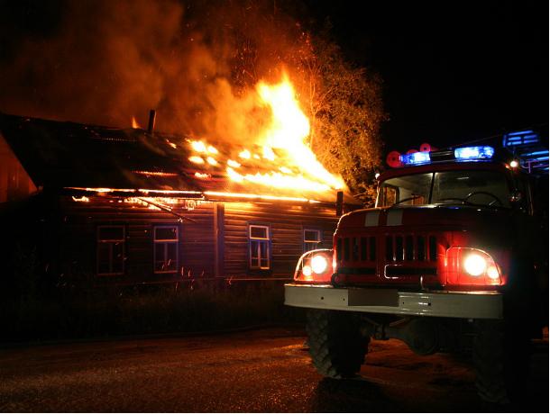 Мужчина сгорел вместе со своим одноэтажным частным домом в Ростовской области