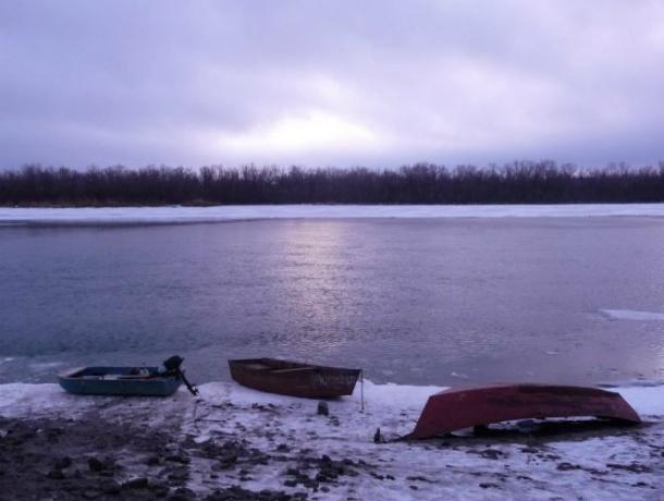 Экстренное понижение уровня воды в Доне угрожает судоходству в Ростове