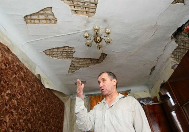 В жуткое жилье из аварийного опасного дома переселили семью в Ростовской области
