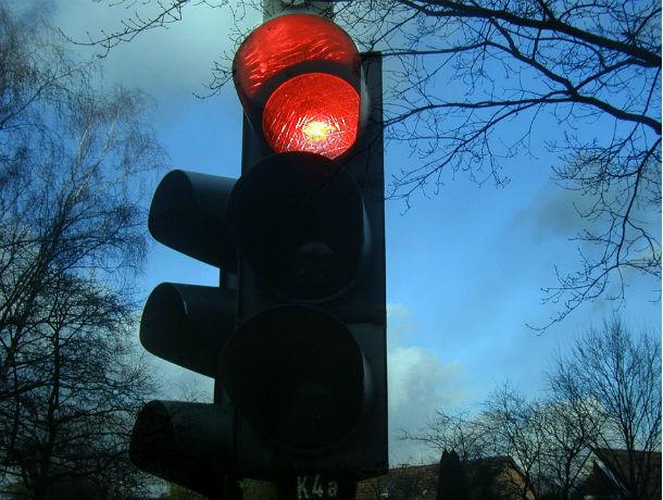 Создающий пробки светофор попросила убрать ростовчанка