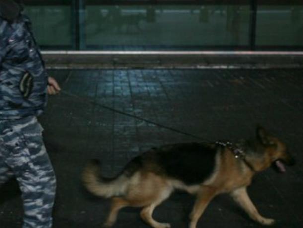 Посетителей банка в центре Ростова экстренно эвакуировали из-за опасности взрыва