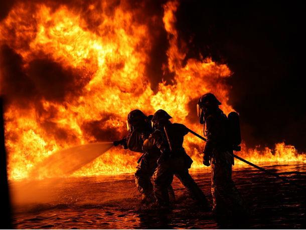 Крупный пожар рядом со стадионом «Ростов Арена» попал на видео