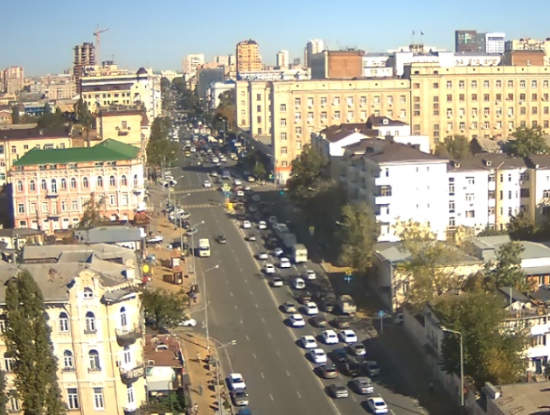 Ростовчане снова опоздают на работу из-за километровых пробок