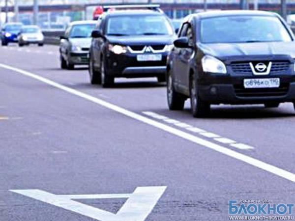 В Ростове начали ловить автовладельцев, выезжающих на полосы движения общественного транспорта
