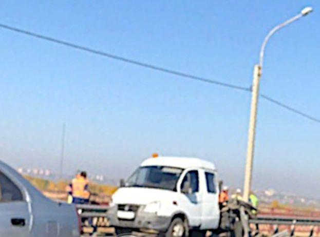 Грузовик сбил насмерть дорожного рабочего на трассе Батайск - Ростов