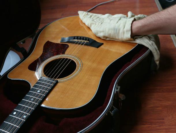 Пенсионер-рецидивист трое суток обворовывал дом скромного музыканта в Ростовской области