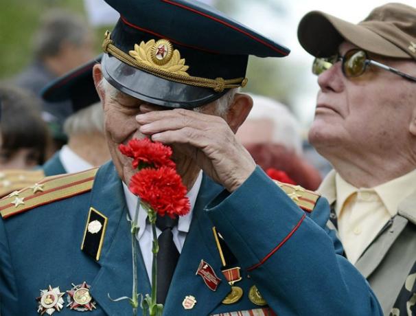 Жалкие две тысячи рублей выделили ветеранам Дона ко Дню Победы