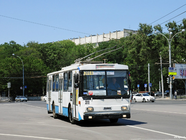Чиновники Ростова решили обновить троллейбусный парк с помощью Москвы