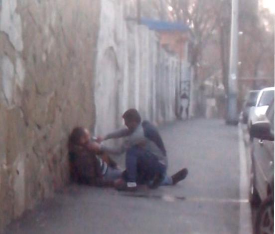 Захмелевшего до потери сознания мужчину приводили в чувство в центре Ростова