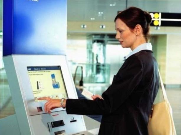 В аэропорту Ростова установили 53 планшета для оценки качества обслуживания