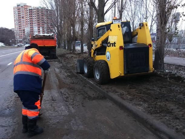 Чистить Ростов от грязи чиновники решили сразу после выборов
