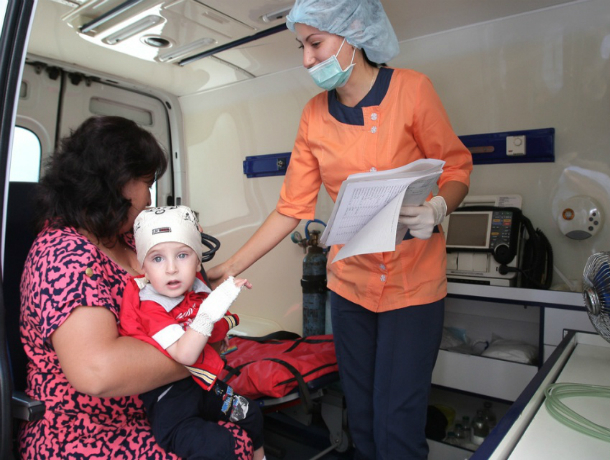 Уникальное оборудование, способное сохранить жизнь тяжелым пациентам, подарили ростовской областной больнице