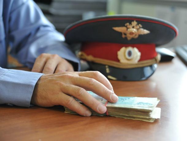 Отмазать за 300 тысяч рублей «сообщницу террористов» пообещал ростовский участковый