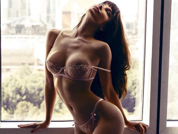 Сексуальная звезда Playboy разделась на камеру и пожелала ростовчанам спокойной ночи
