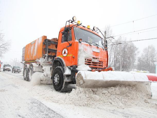 106 спецмашин будут спасать от метели на трассе М-4 под Ростовом