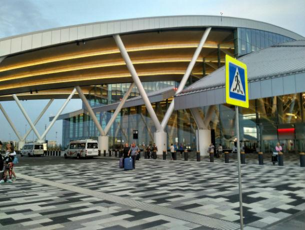 В Ростове ищут стрессоустойчивого перевозчика, который загонит большие автобусы в аэропорт «Платов»