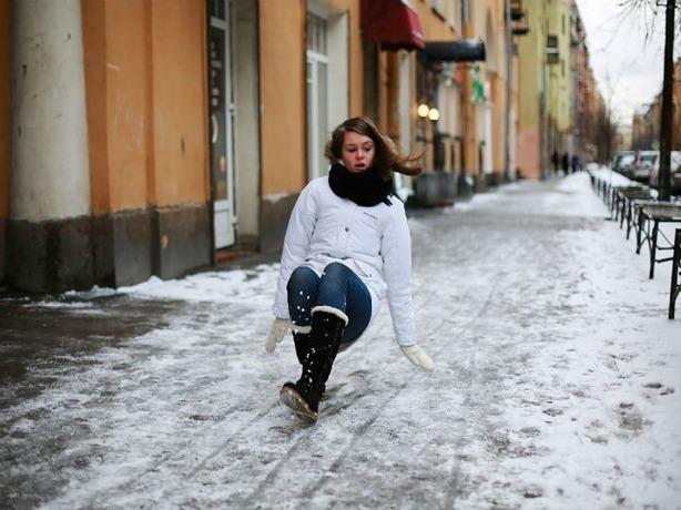 Управление по делам ГО и ЧС Ростовской области предупредило о сильной гололедице