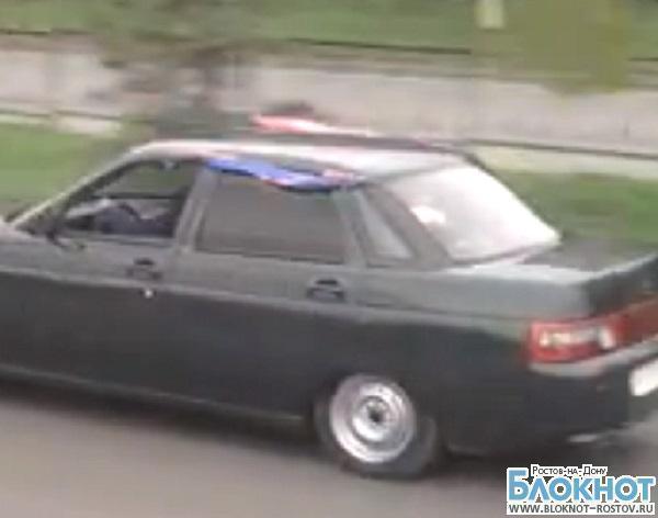 В Ростове разыскивают водителей свадебного кортежа, устроивших гонки задом наперед. ВИДЕО
