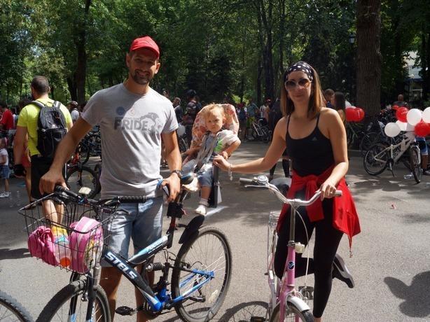 Около 500 велосипедистов «покрасовались» на дорогах Ростова