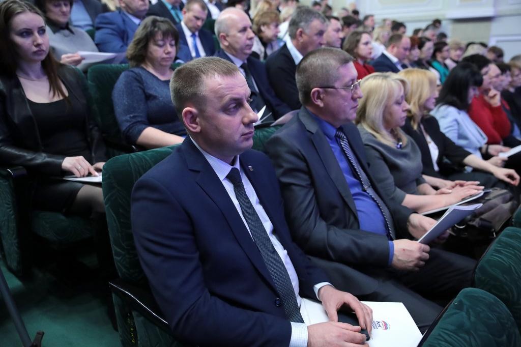 Активных икреативных депутатов нехватает впарламенте Ростовской области