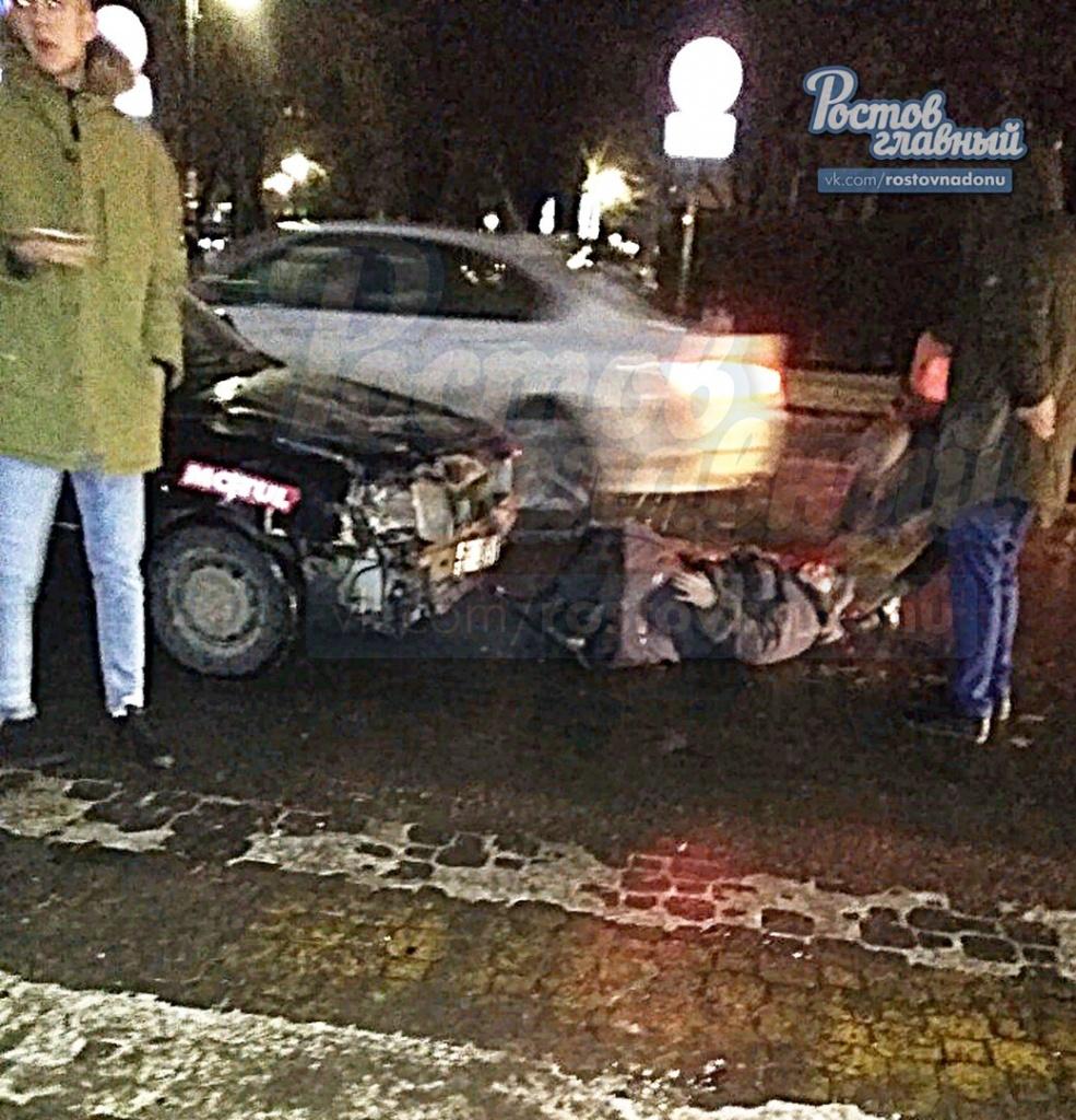 ВРостове-на-Дону напешеходном переходе шофёр иномарки сбил 66-летнюю пенсионерку